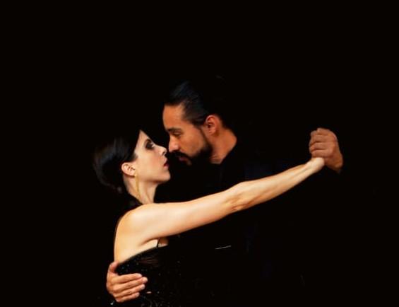 4e261f0293 Emilio Benavente e Muriel Garcez. Professores de Tango Argentino